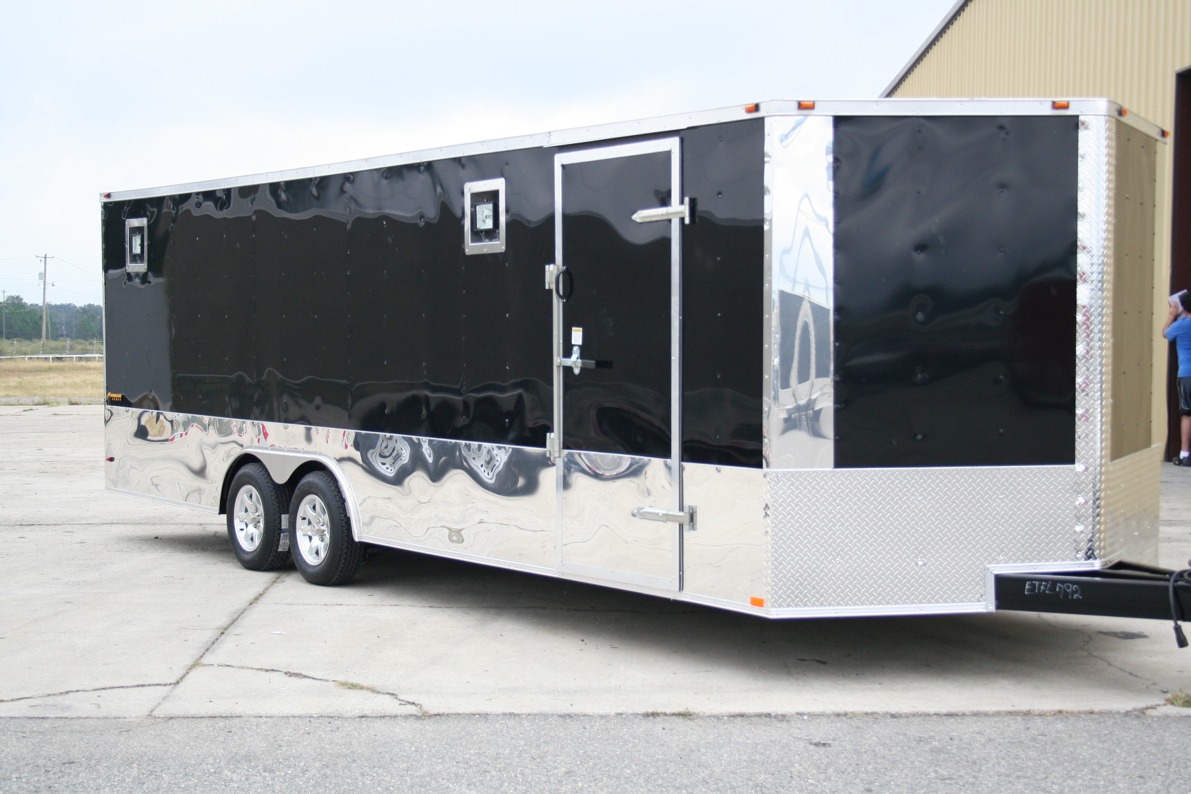 8 5 X 24 Ta Rrii Ramp Over Color Enclosed Trailers For